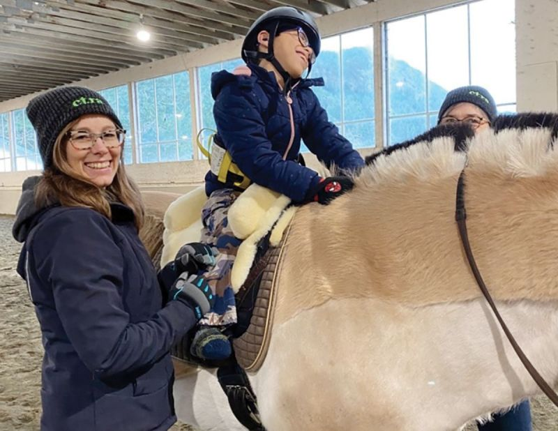 cantra hippotherapy, equine-assisted therapies, horse riding for disabled, canadian therapeutic riding association hippotherapy