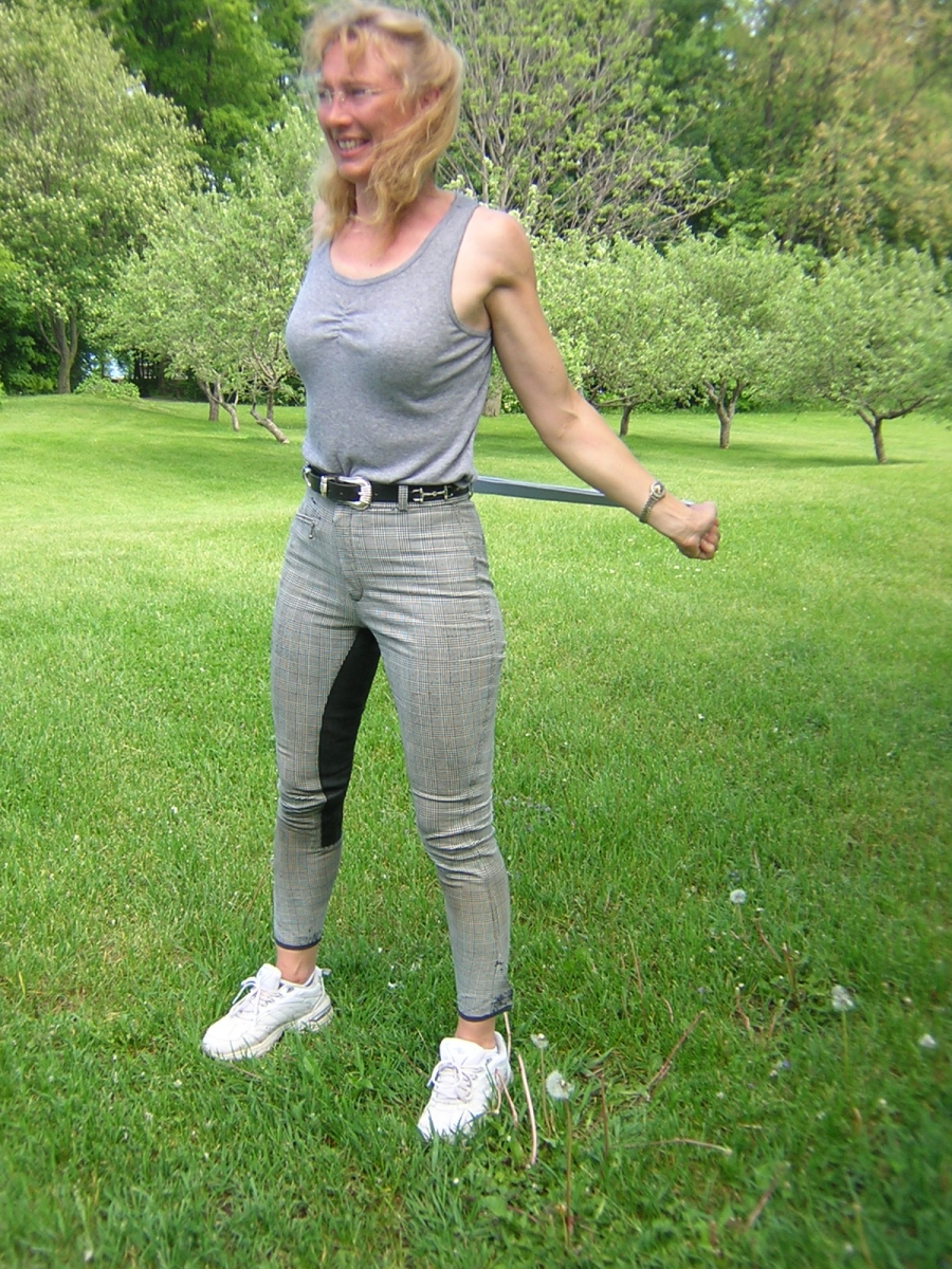 Pre horse Ride Stretches, Equestrians stretches, horse riding warm-up exercises, Pre horse Ride Pectoral Stretch, Runner's Lunge