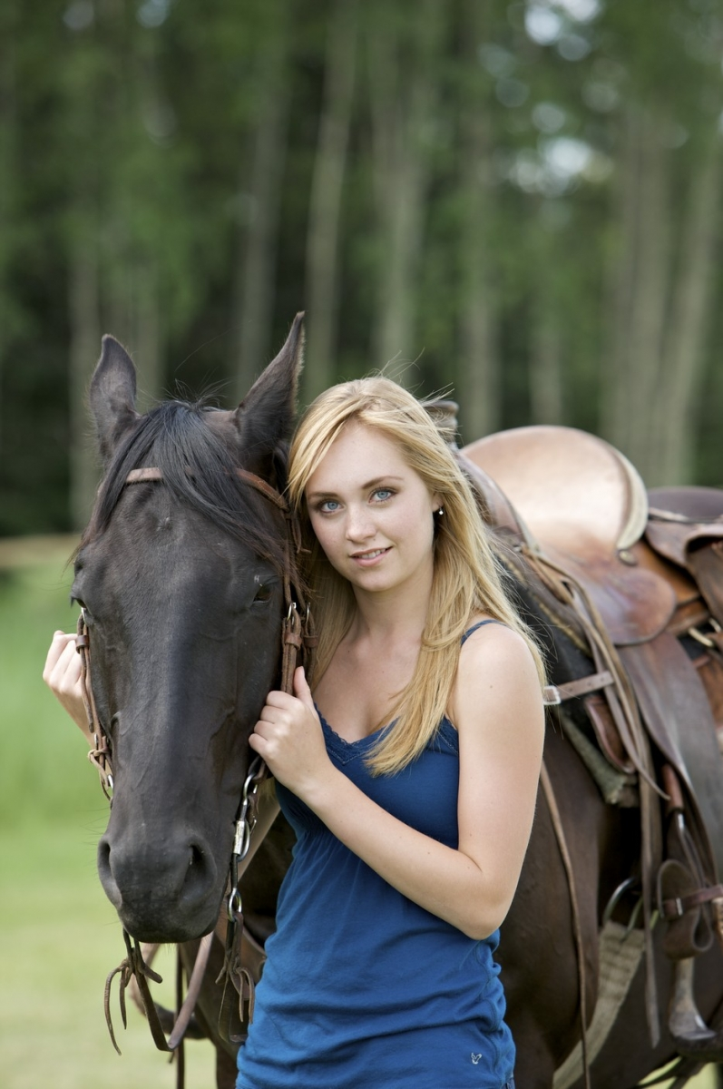 Amber Marshall: A Star in Canada's Heartland | Horse Journals