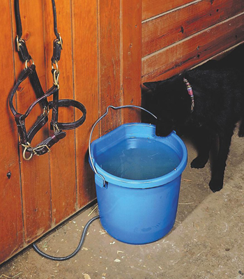 horse water winter equine watering heated troughs horse heated waterers horse waterers equine winter equine guelph system fence