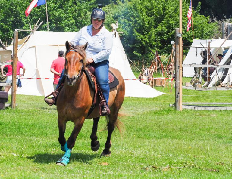 how overweight riders can cause horse lameness, choose a horse appropriate for your weight, horse lameness caused by heavy rider