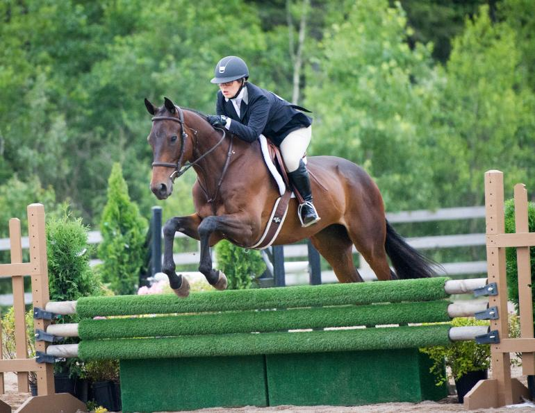 Why did Jessica McNutt lose amateur status? Jessica McNutt speaks out against Equestrian Canada, Should Jessica McNutt have accepted money from Dalhousie University?