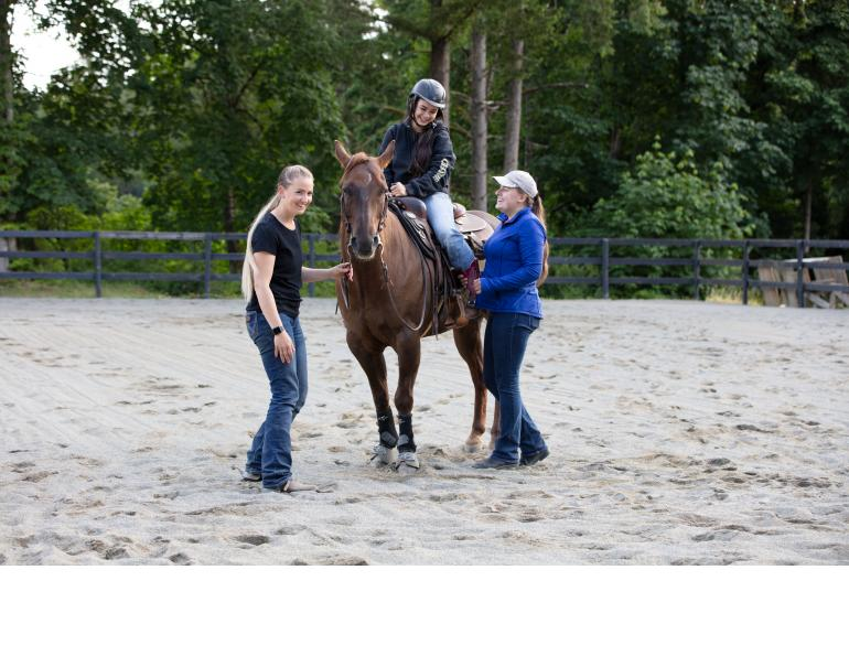 running a horse barn, barn culture, working in the equestrian industry, how to fit in horse barn, annika mcgivern